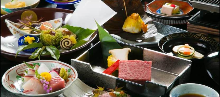京風会席料理を味わう。還暦祝いのサプライズも成功